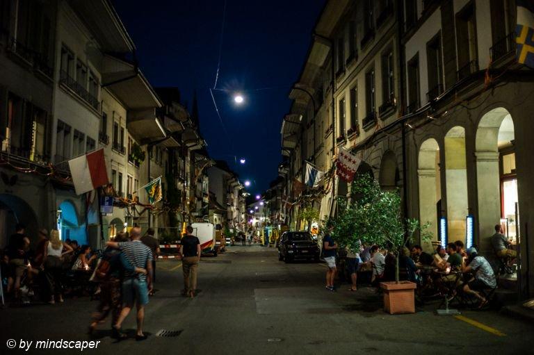 Summer Night in Rathausgasse #rathausgasse #night #summernight #goodnight #guätnacht #guetnacht #gutenacht #berne #bern #bernpictures #bern_pictures #igersbern #_bernstagram_  #iloveswitzerland #ilovebern #leicaswitzerland #leicam #leicacamera #leicainternational