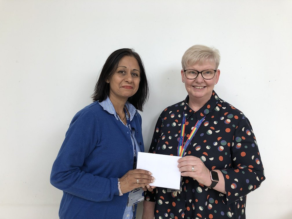 Here is our Library Challenge Wednesday winner! #LJMUTLC19 Joshi Jariwala (left), senior lecturer in the Business School, answered all 10 questions correctly & was presented with a £25 Amazon voucher by Val Stevenson (right), Head of Academic Services. Enjoy your prize! @LJMUTLA
