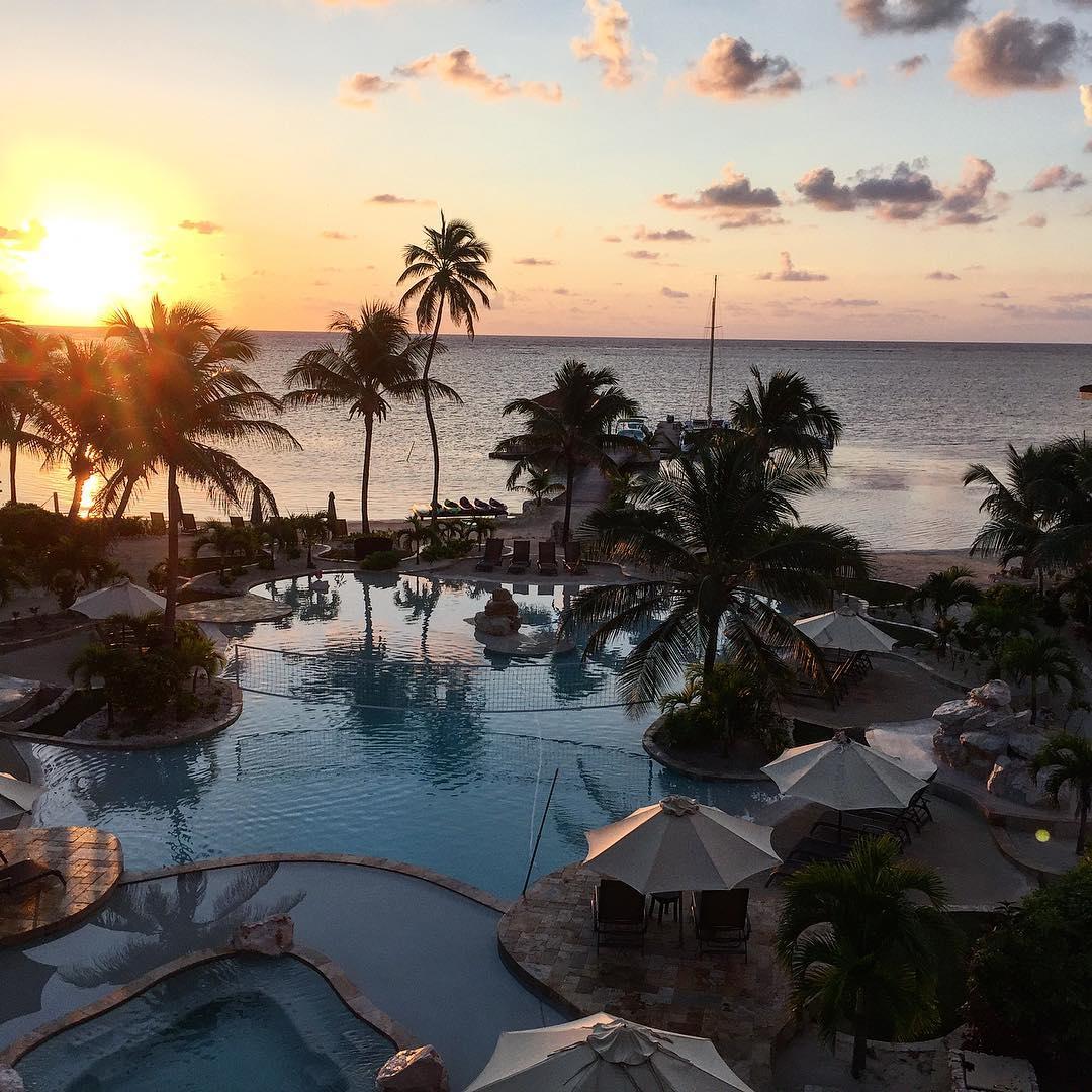 test Twitter Media - RT @cheapcaribbean: Mornings go best with the sunrise. #Belize https://t.co/HbKM4IDhXB