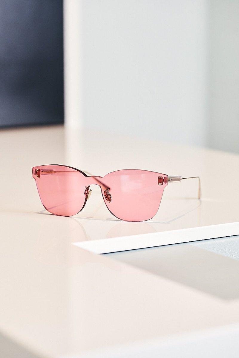da28fdcb5 لأن نظارات ديور هي النظارات التي تعبر عن شخصية ما يرتديها! متاحة بفروع  مغربي تعرفوا علي تشكيلات ديور https://magrabi.com/search/?searhKeyWord=dior  …