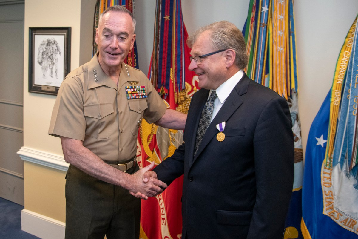 """@thejointstaff chairman GEN Joseph #Dunford congratulates his outgoing @StateDeptPM Foreign Policy Advisor #POLAD, AMB Richard Norland: """"his vast knowledge and expertise in foreign affairs contributed significantly to the Chairman's understanding of evolving global trends"""""""