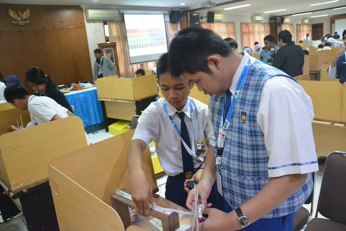 Sesi experiment OSN 2019 SMP di UNY