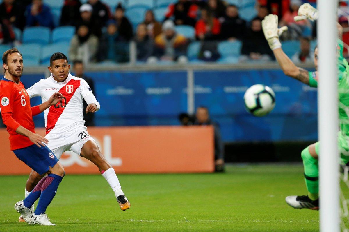 Сборная Перу сенсационно разгромила Чили и впервые за 44 года сыграет в финале Копа Америка - изображение 2