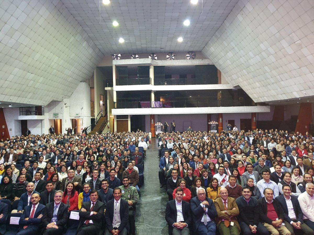 Magnífica jornada de trabajo en Lima compartiendo con nuestros empleados los excelentes resultados de @MAPFRE_PE y  los principales objetivos financieros, comerciales y de sostenibilidad de @MAPFRE. Enhorabuena a todos nuestros colaboradores peruanos. #sonosmapfre