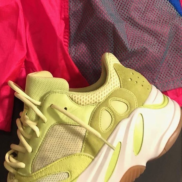 new style 4ff26 ea902 YEEZYBOOST700 tagged Tweets and Download Twitter MP4 Videos ...