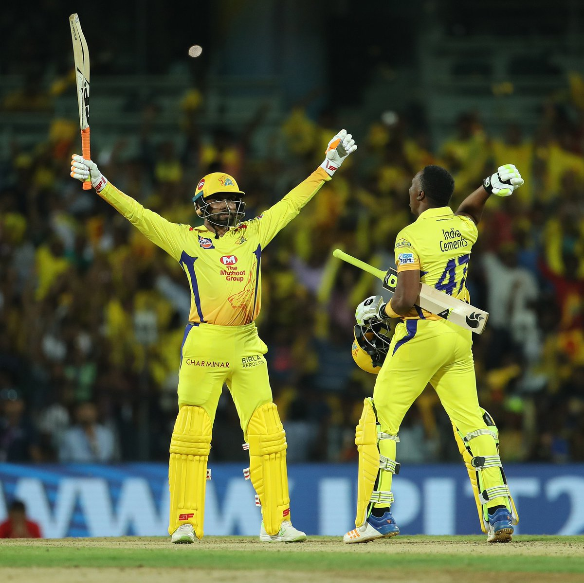 We, dear Sir, love you to bits, to pieces, eight times round the Moon and back! #WhistlePodu #SirJaddu #Yellove  @imjadeja<br>http://pic.twitter.com/ZoL1NbBbHj