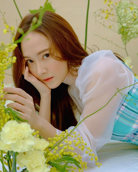 [SNS] Tổng hợp bài đăng của Jessica trên Instagram và Weibo D-nzeImU4AIJYuN?format=jpg&name=small