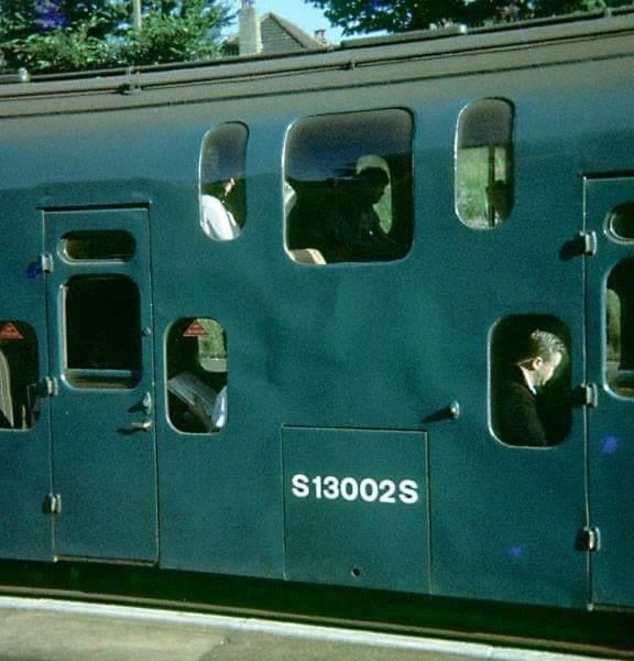 D o9V8EX4AEEqAi - Tinpot Railways: The double deck conundrum