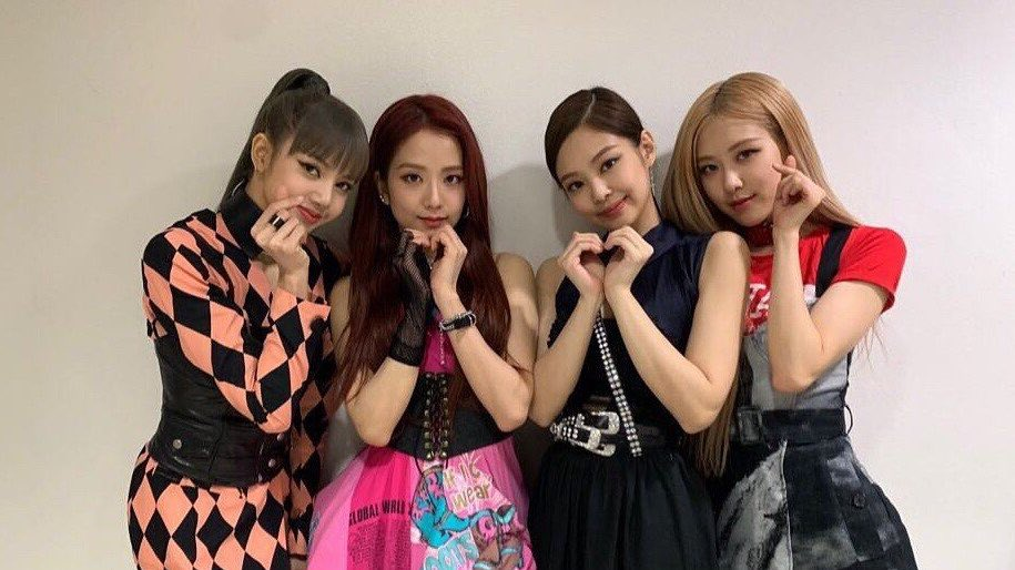 rt this if you stan blackpink ot4, follow everyone that rts and make sure to follow back   #BLACKPINK @ygofficialblink #MGMVOTE #PremiosMTVMIAW <br>http://pic.twitter.com/14ls3qNOva