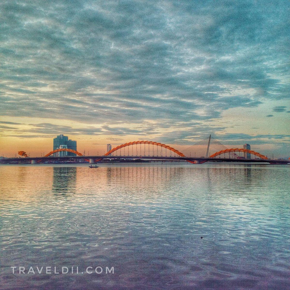 The dragon wakes up!  @traveldii_vn  Your password into locals ---------------------------------------------------------- #Vietnam #vietnamese #danangcity #traveldii_vn #localguides #SoutheastAsia #Asia #dragonbridge #hightlightvietnam #Traveller #traveladdict #experience #loyalpic.twitter.com/o1g6PpMUuo