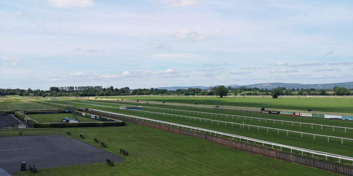 test Twitter Media - Tip-top weather for racing here at Tipp !! @tipperaryraces @RacingTV @HRI_Racing #ComeRacing https://t.co/8MmP6Nf1v4