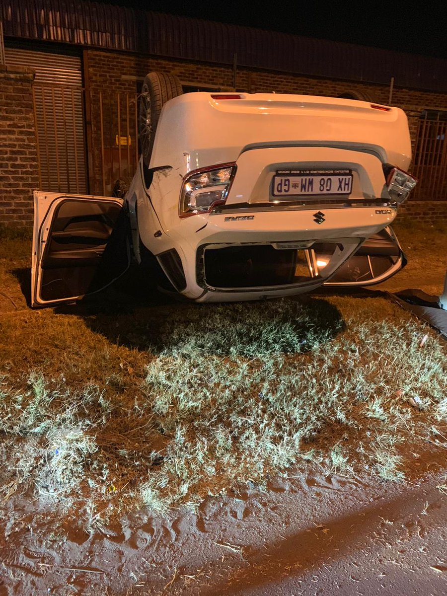 HIT & RUN : BENONI. EMM. GP. TRUCK HIT THIS MV & FLED. INJURIES