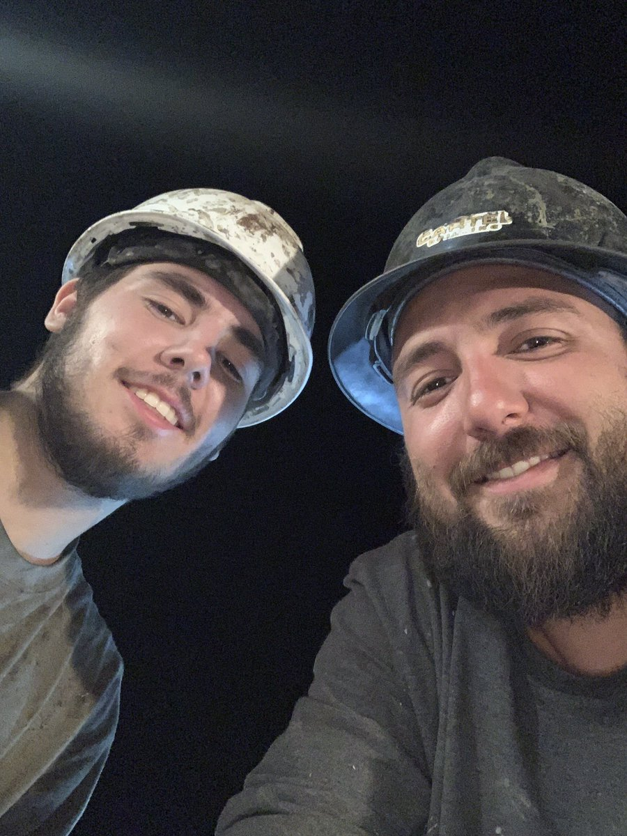 Wishing my two handsome sons a Happy 4th of July in Colorado! Miss and LOVE you both! 💚💙 #OilRigLife #Brothers #MyBoys @DJ_Hyde23 @kcbot_hyde  💥💥🇺🇸  #America #IndependenceDay