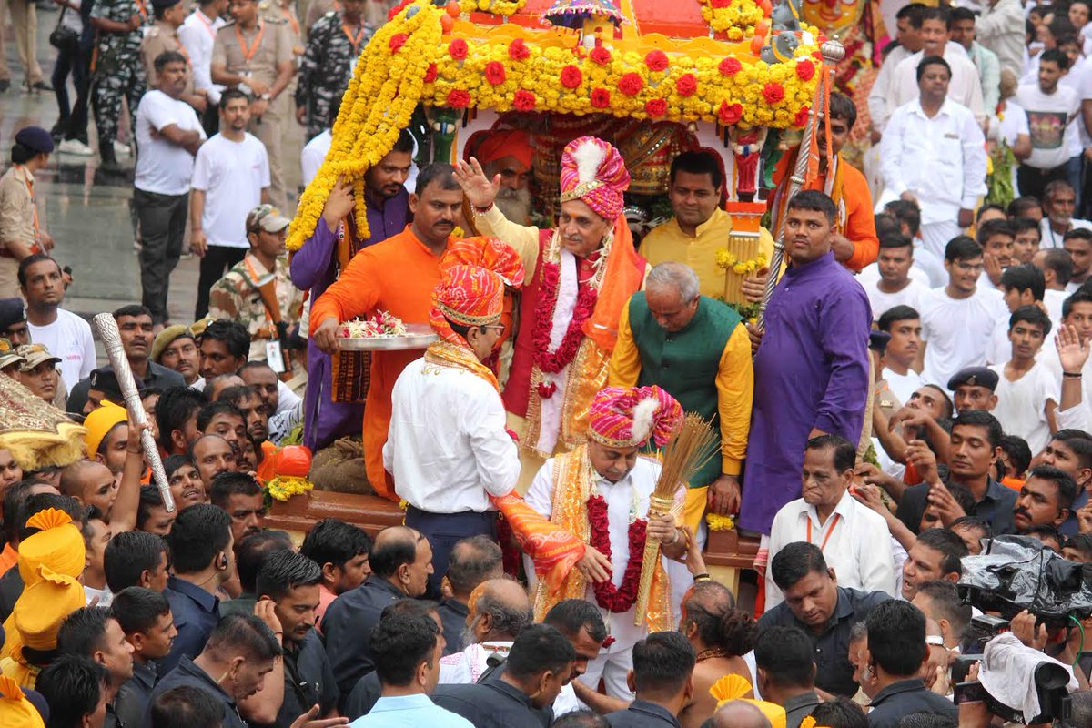 142nd Lord Jagannath Rath Yatra underway in Ahmedabad with sea of devotees and intermittent showers