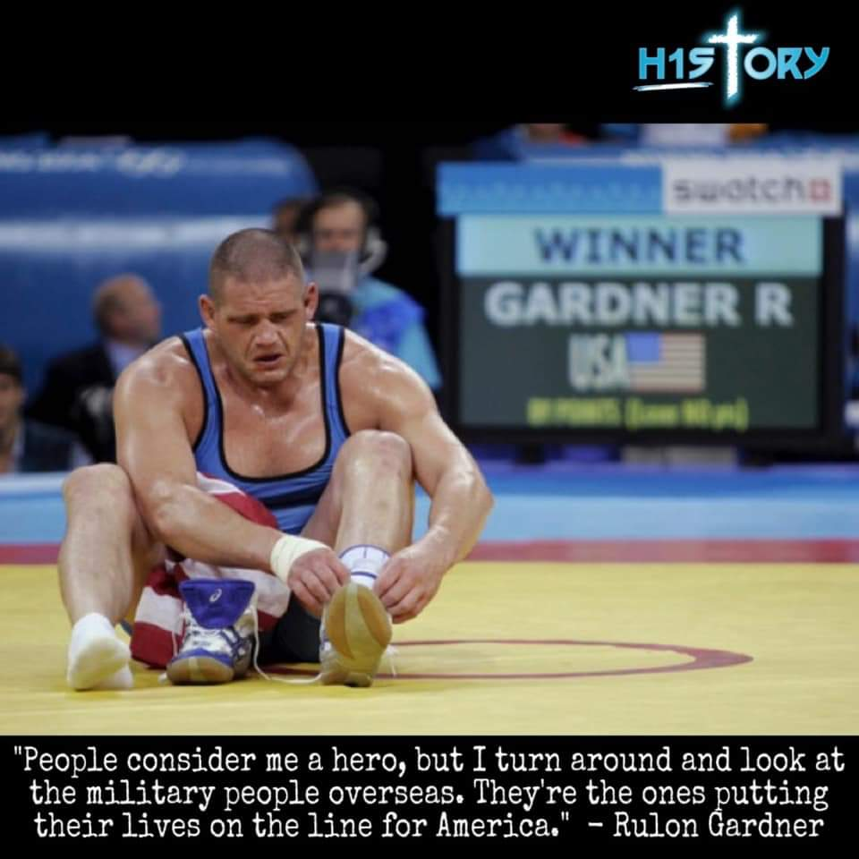 #ThrowbackThursday 2000 Sydney Games: American Rulon Gardner upsets Russian legend Aleksandr Karelin, the three-time defending Olympic champion. It was Karelin's first loss in 13 years. 🇺🇸 🗽 Happy 4th of July 🎆⛵️