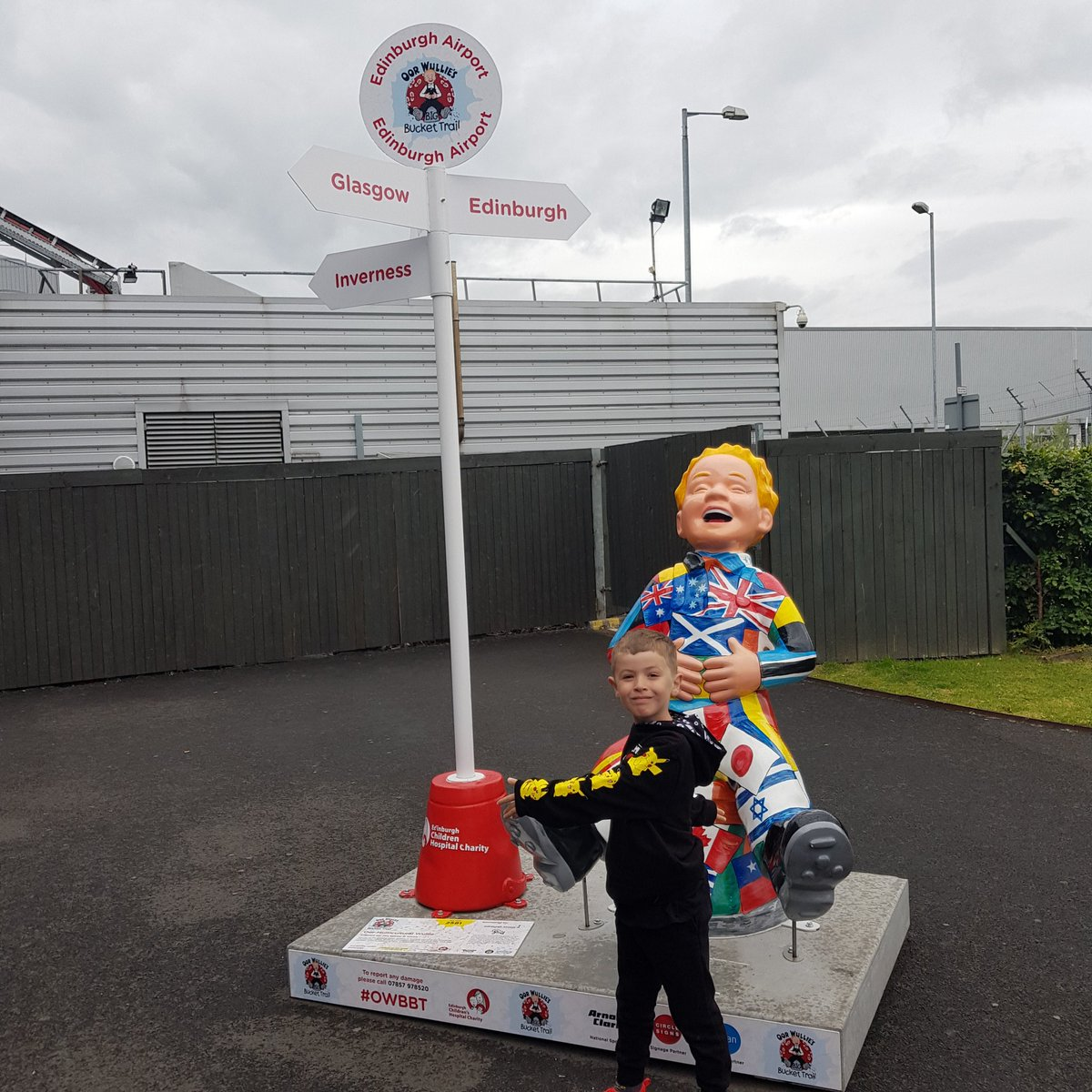 @windyknoweps and @mrsldwelsh Thomas was super happy to find oor willie today when we picked up nana and uncle sean from the airport. :)