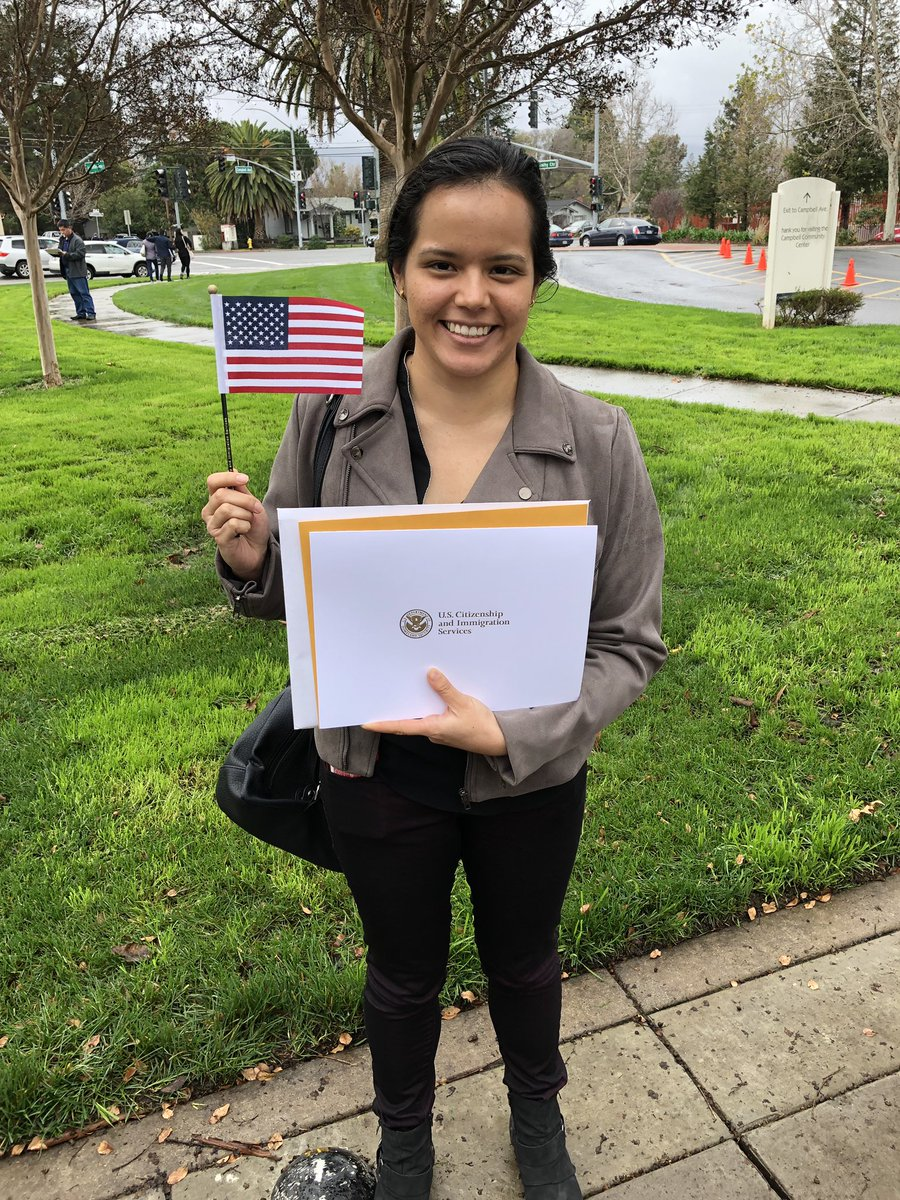 Ten years ago I came from Mexico to the United States... After living exactly half of my life here I became a citizen this year! I am grateful for all the opportunities this country has given me. HAPPY 4TH OF JULY! 🇺🇸🇺🇸🇺🇸🇺🇸🎉🎉🎉🎉 #IndependenceDay