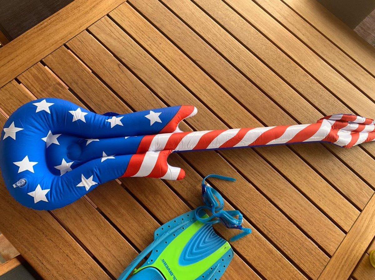 Happy 4th USA. Ready to rock. #happy4thofjuly #airguitar