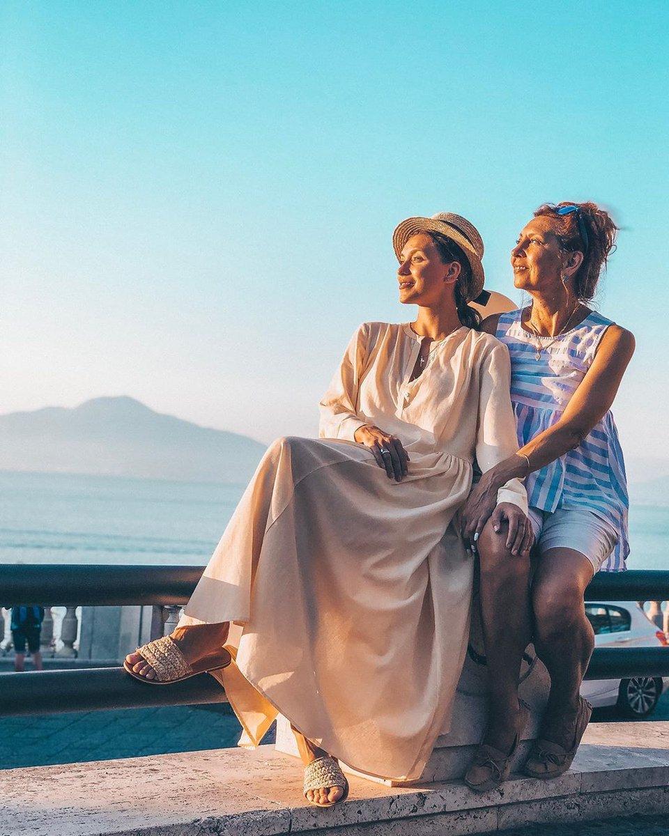Регина Тодоренко с мамой Ириной в Италии
