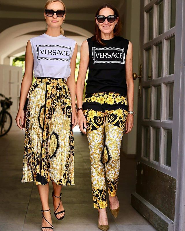Versace! Style Feature Via - @nettiweber @versace Via @stylebop  http://www.thestylehive.com.ng  #fashion #fashionable #streetstyleluxe #style #itsthestylehiveblog #styleaddict #ootd #fashionpost #fashionblogger #fashionblog #styleblogger #ootd #styleblog #fash… https://www.instagram.com/p/BziRlr3ngrp/pic.twitter.com/dmPfU1adpf