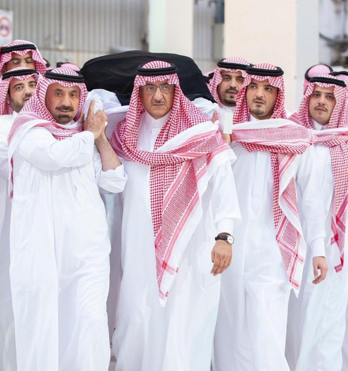 صاحب السمو الملكي الأمير #محمد_بن_نايف خلال تشييع والدته #الجوهرة_بنت_عبدالعزيز_بن_مساعد رحمها الله
