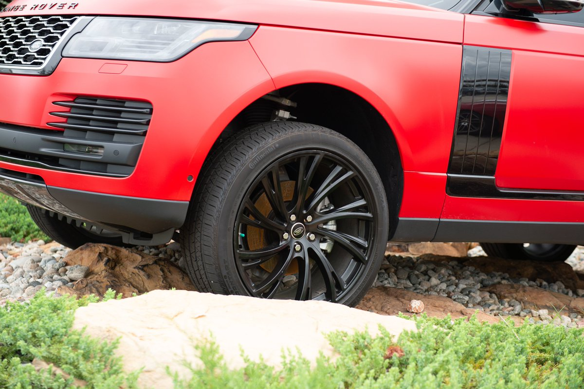 Dominate any terrain with the 2019 #RangeRover #LandRoverOKC https://t.co/aKOezttTGA