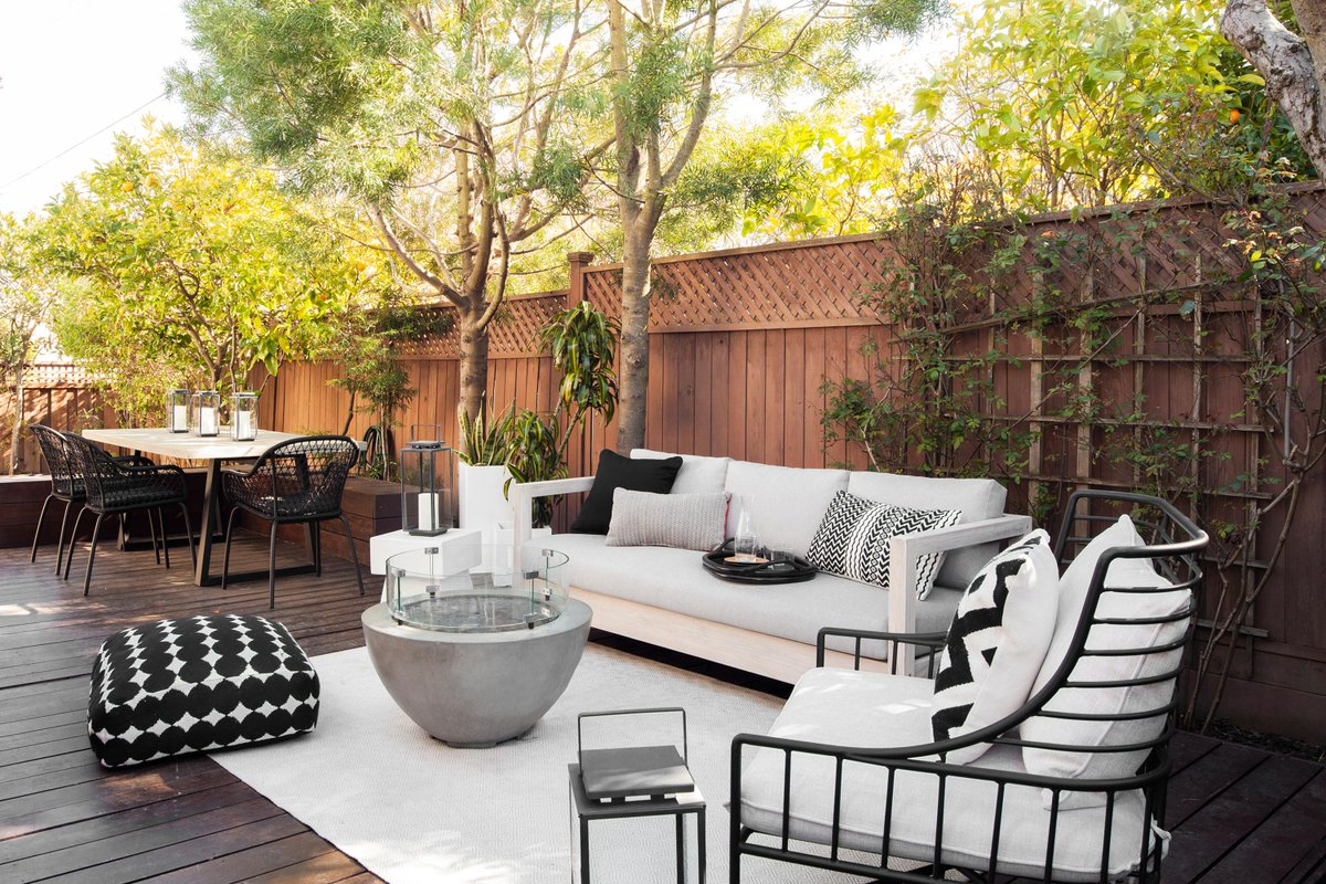 An interior decorator can still have plenty of fun with the exterior. Check out some of our favorite outdoor spaces and prepare to spend the season in style.  16 of our Favorite Outdoor Spaces:  https://t.co/ldq3MpVUyL https://t.co/OVFu5E6kyr