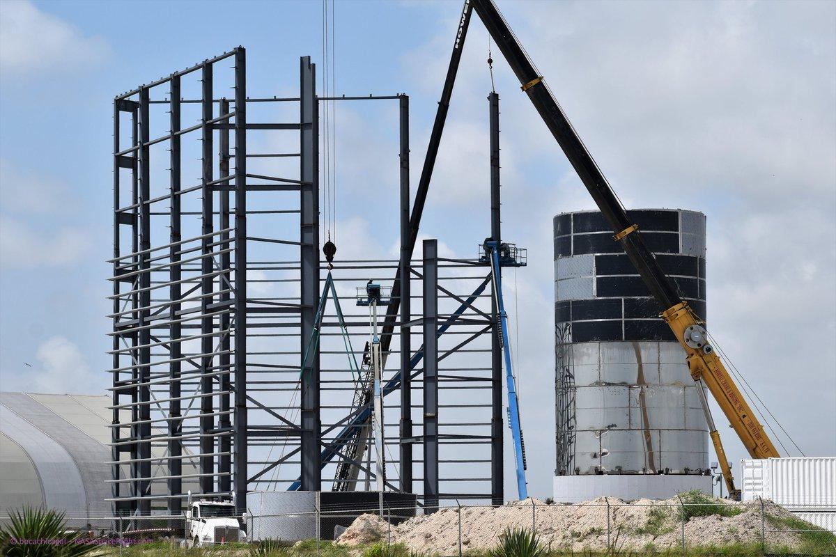 Site de lancement de Boca Chica au Texas - Page 4 D-ut82XXkAUW78S?format=jpg