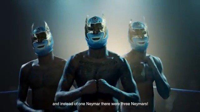 Não é um, nem dois, mas sim três ... a mostrar um sambinha ao meu amigo, @Cristiano , na nova campanha @MEOpt .#ad