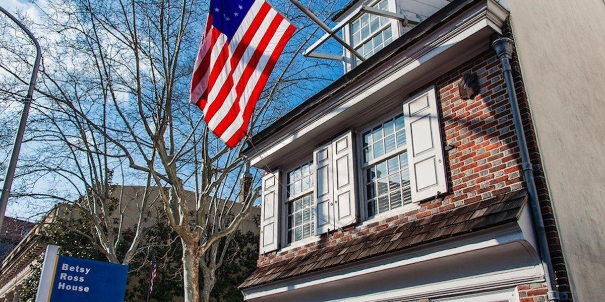 As Colin Kaepernick trashes Betsy Ross flag, 13 children become US citizens on Fourth of July — at Betsy Ross House in Philly  http:// dlvr.it/R7tjJR     #Betsyrosshouse #Philadelphia via @theblaze<br>http://pic.twitter.com/X9bzCAugdW