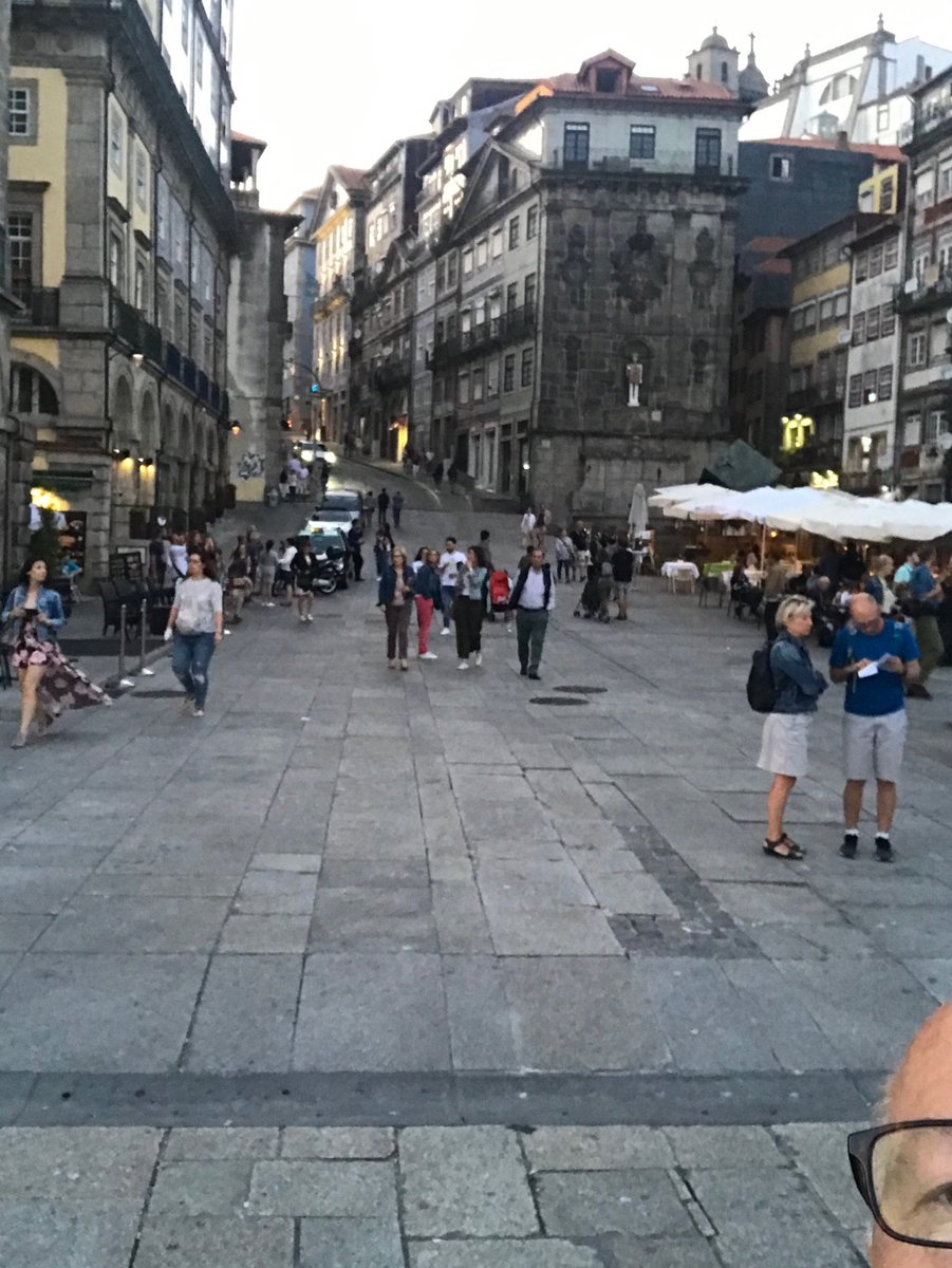 Where was I yesterday?     A few of you got it.   Impressive.    Love this place.   Porto, Portugal.