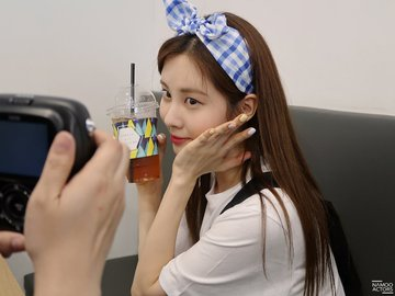 [PHOTO] 190628 Coffee with Seohyun blog D-waBxTU8AAydIk?format=jpg&name=360x360