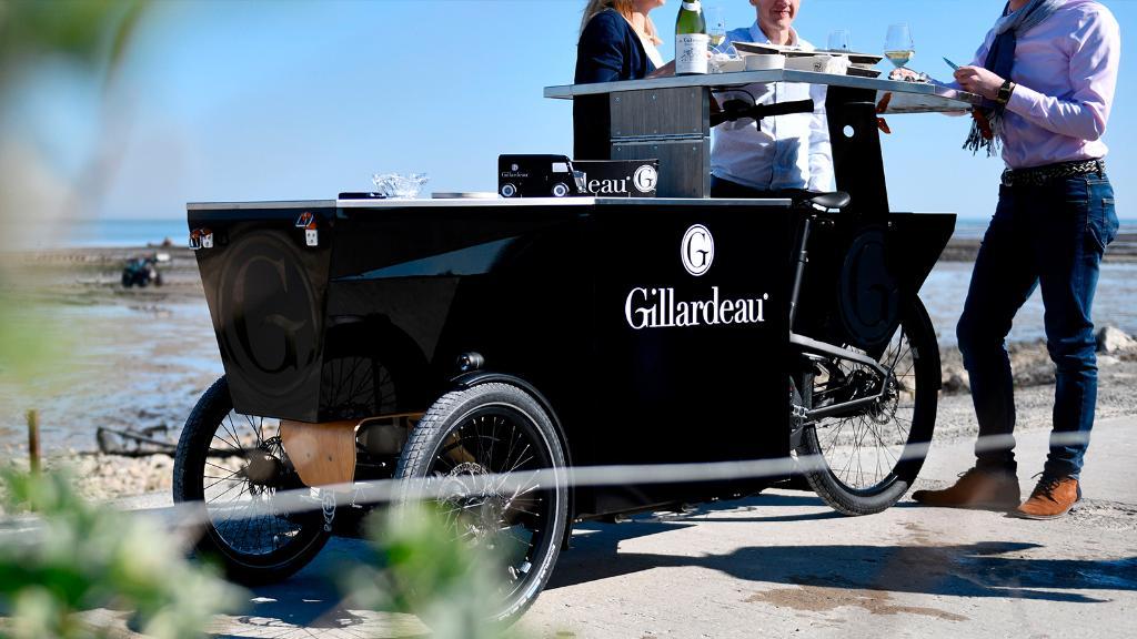 Chaque apéritif devrait être accompagné d'un vélo électrique. #PeugeotDesignLab #Gillardeau