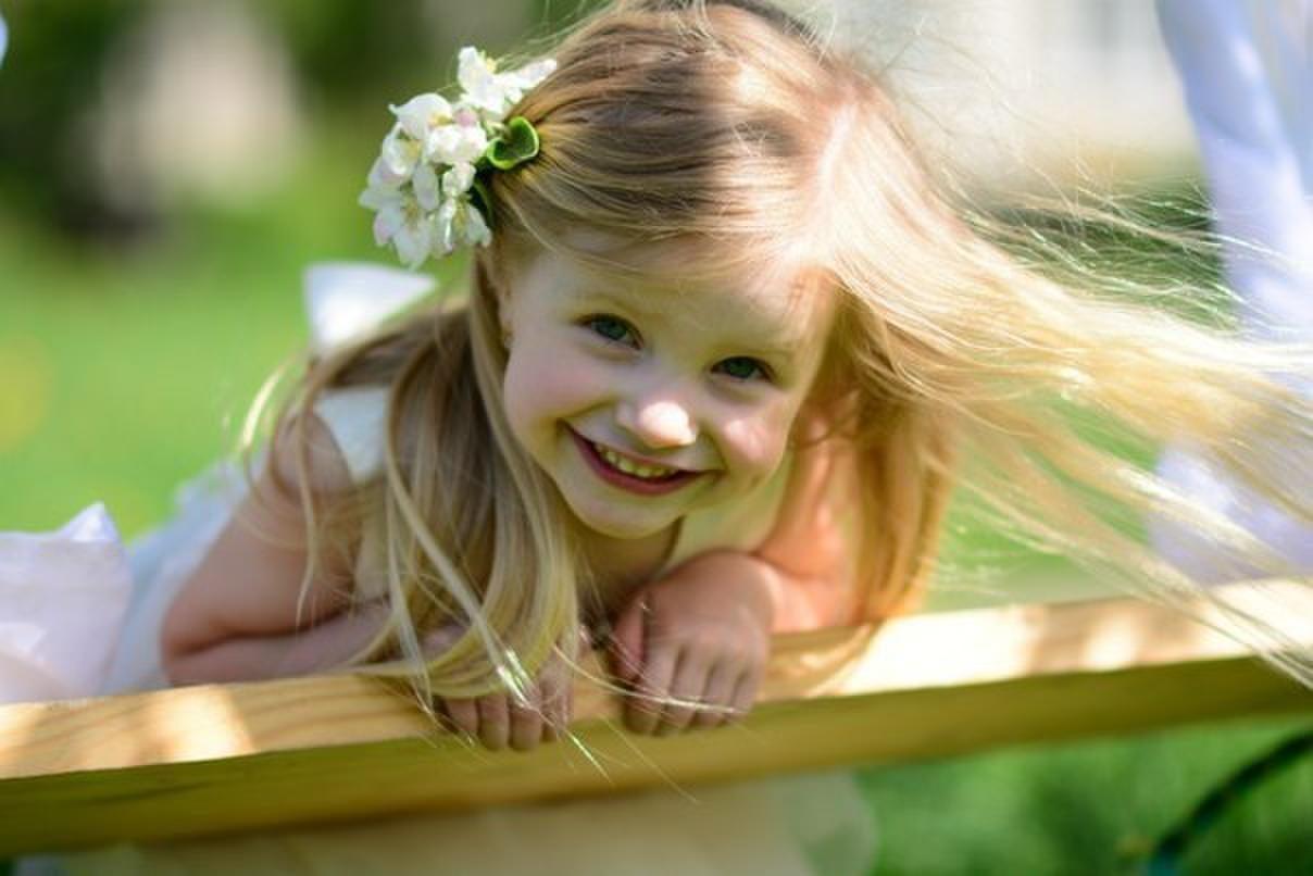 Открытка добрая улыбка только у нее, картинки
