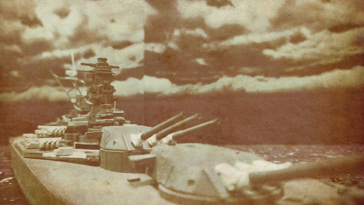 遺品整理中に出てきた写真…的なやつ裏には数十年前の日付と撮影されたであろう地名が書かれてそう