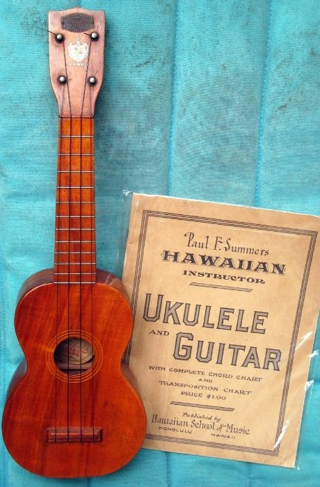 1920s paul summers soprano Ukulele with book