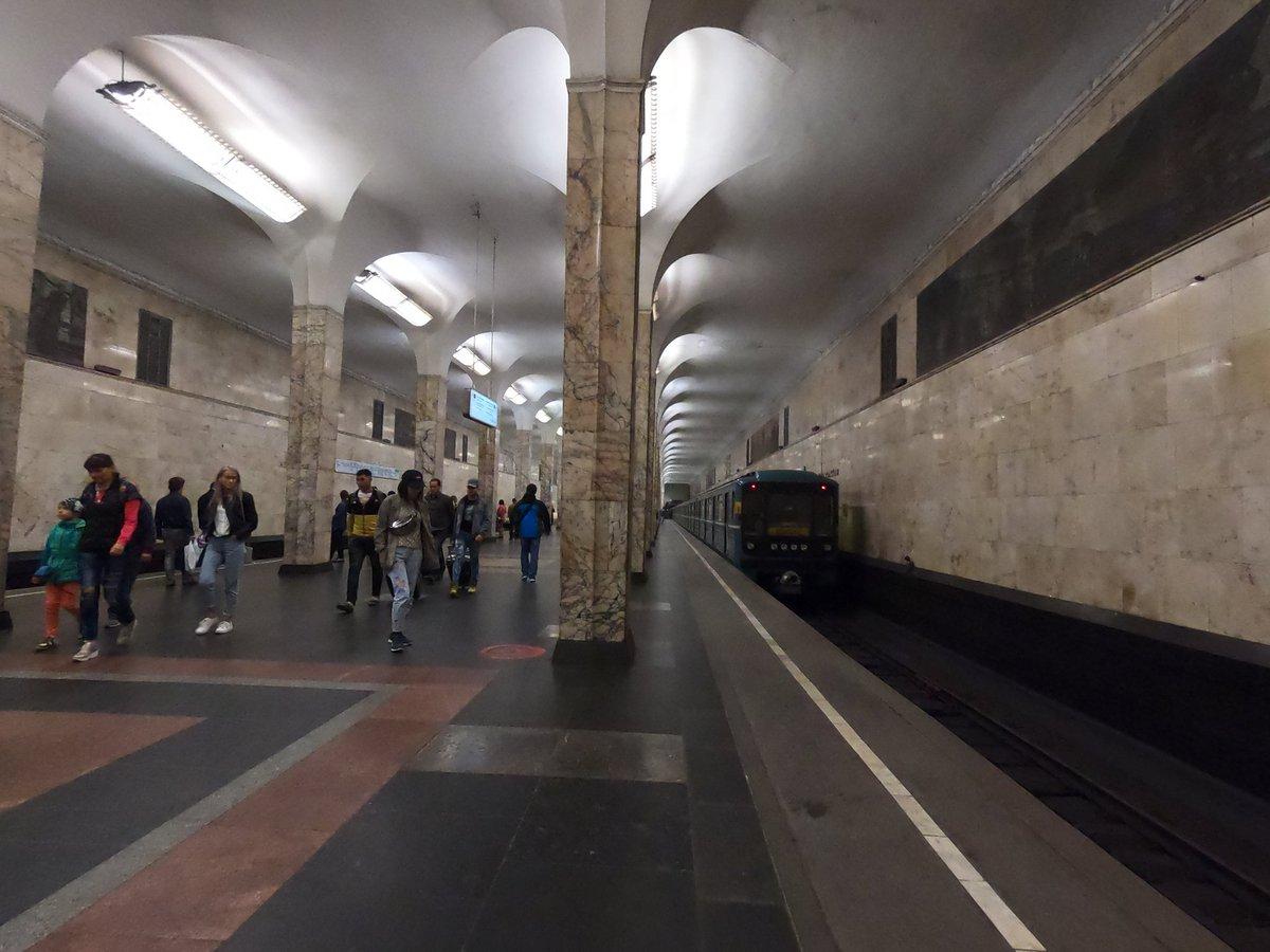 Станция метро автозаводская москва фото вестибюля