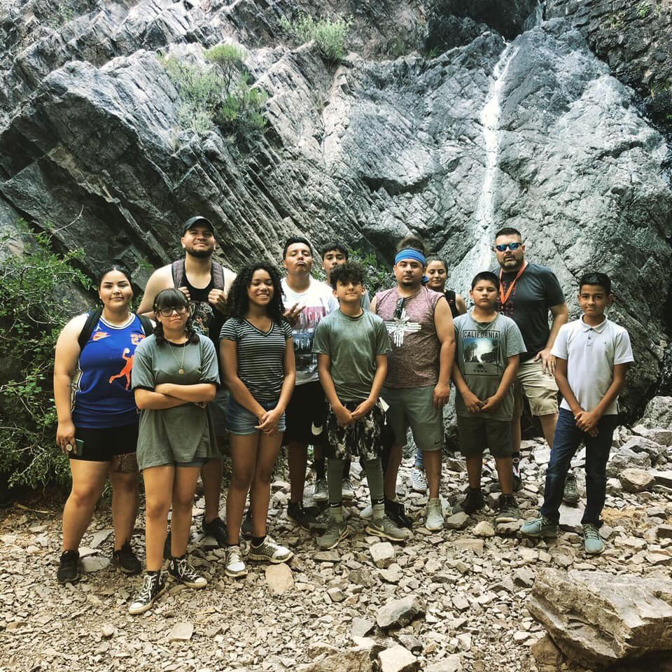 Another great summer adventure with these jóvenes from the Weed & Seed program! #HikeItOut #SoledadCanyon #omdp4nm #felizafuera #spreadthelove #Spreadtheknowledge #NuestraTierrapic.twitter.com/Wezt0Rqi7J