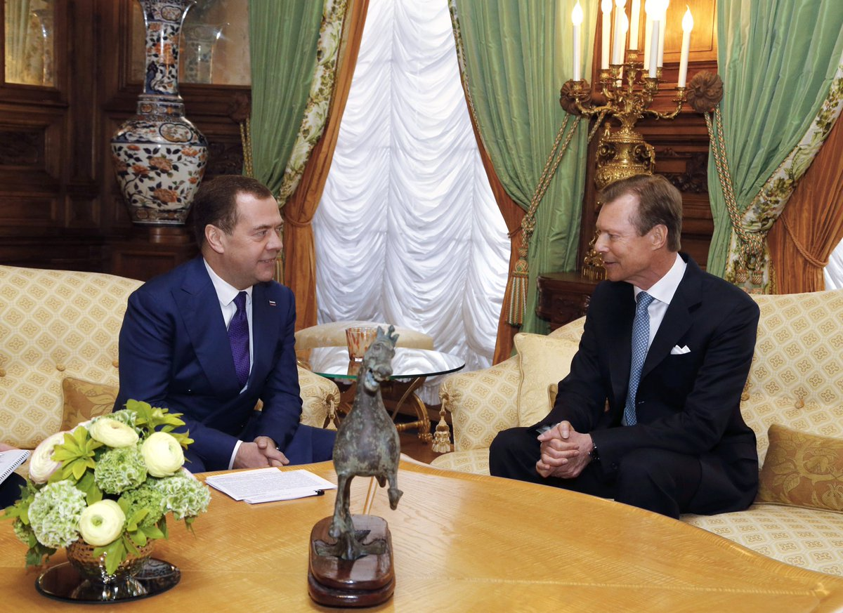 Завершен официальный визит в Люксембург. Подробно обсудили и двустороннее сотрудничество, и международную обстановку. Рад, что правительство Люксембурга придерживается схожих с нами взглядов: от санкций и ограничений проигрывает вся Европа