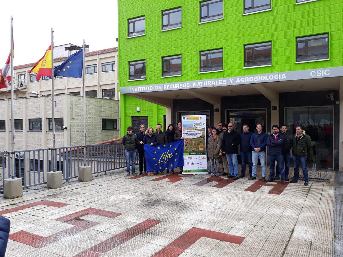 Hoy estamos en el #IRNASA de #Salamanca reunidos con los compañeros del GO #Ecopionet @CSIC https://t.co/4LPFo01u9C https://t.co/nHQGG5r2zU