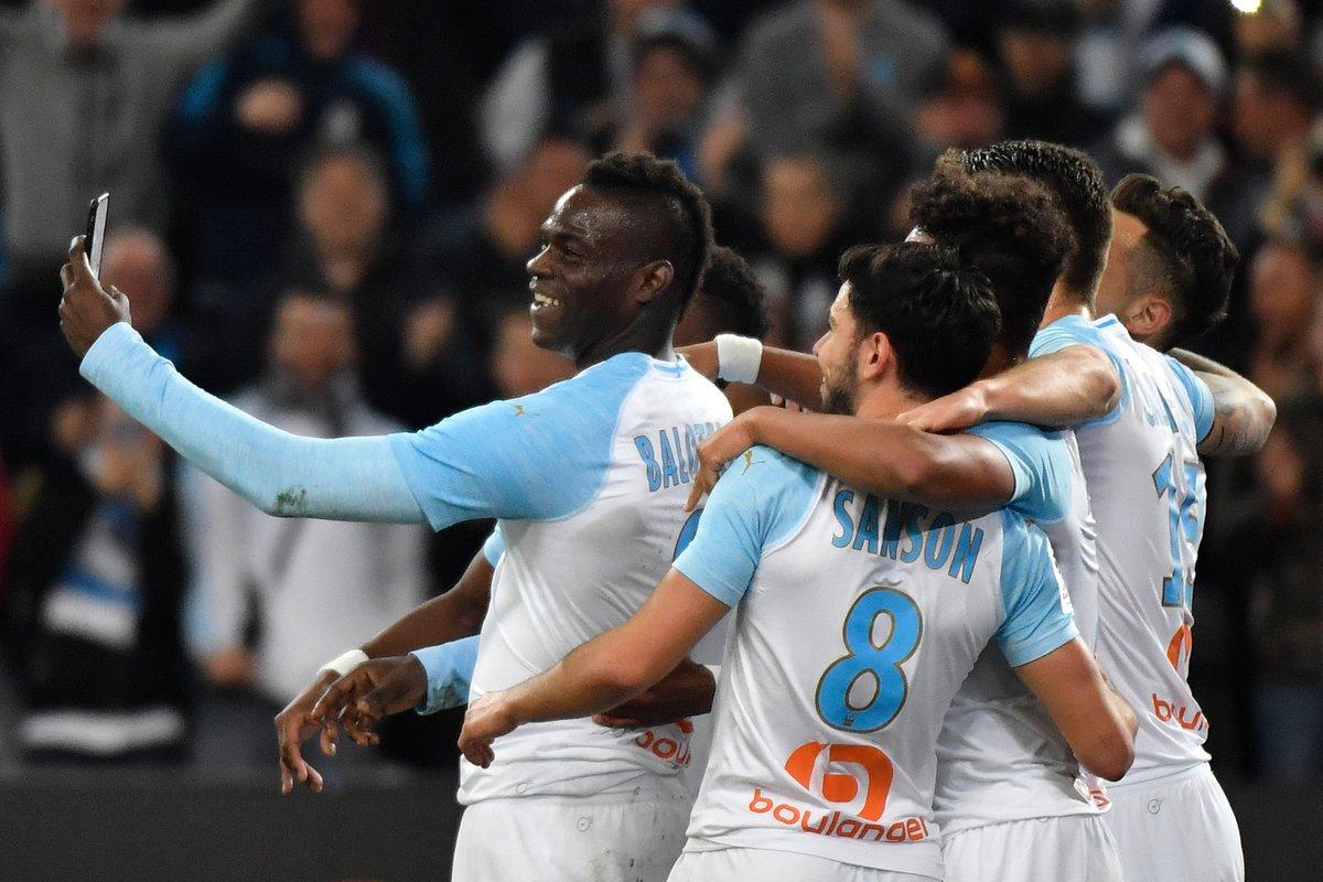 Championnat de France de football LIGUE 1 2018-2019-2020 - Page 16 D00aePDX0AEu79B