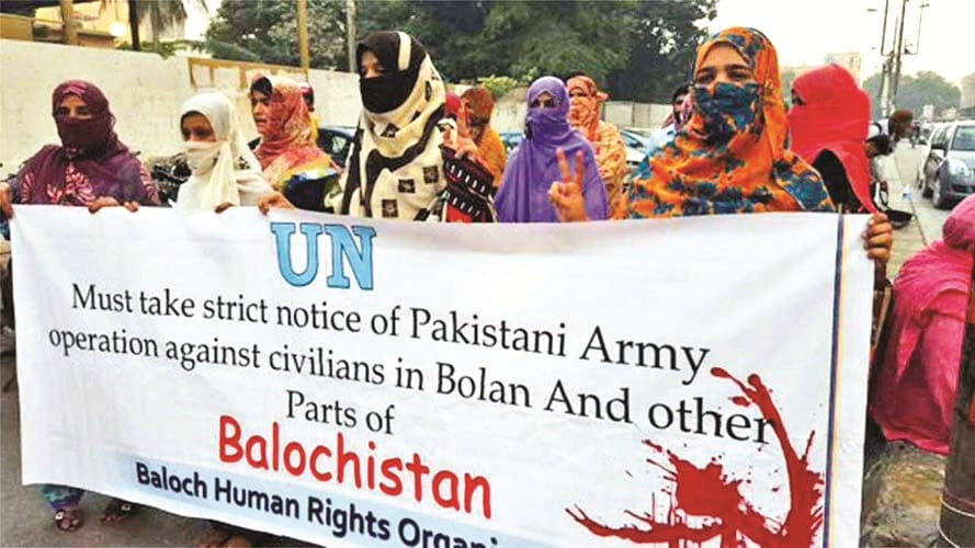 #ThirdWorldWar: Baloch Republic Army attacks Pak Army; destroy 3 Pak posts with chants of 'Azad #Balochistan Zindabad!'. Baloch people say #BalochistanIsNotPakistan as discontent simmers against state atrocities ongoing for decades, which may explode soon.  http:// worldwarthird.com/index.php/2019 /03/04/baloch-republic-army-attacks-pakistan-military/ &nbsp; … <br>http://pic.twitter.com/mdX5a25BSI