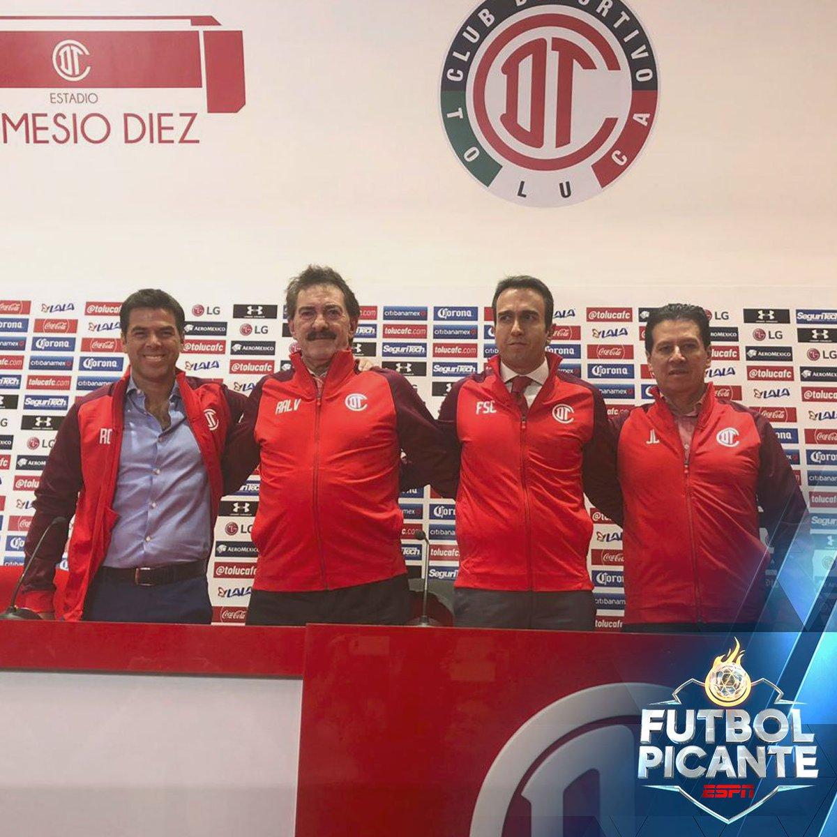 Futbol Picante's photo on La Volpe