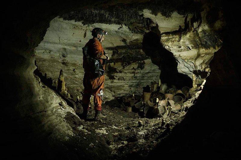 Arqueólogo Guilhermo Anda na Caverna Balamkú