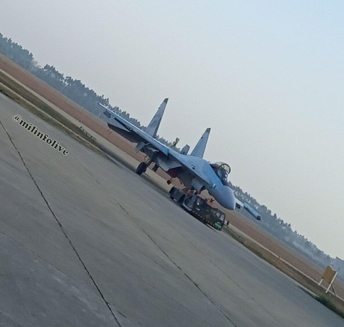 الصين ستتسلم الدفعة الأولى من مقاتلات Sukhoi-35 قبل حلول 25 ديسمبر الجاري وتشمل 4 مقاتلات D03ZmmPVAAAzsor