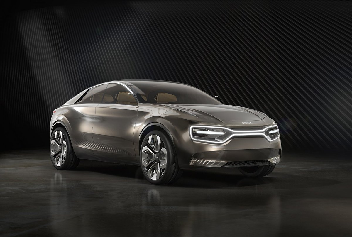 Imagine by Kia, a new electric concept model to follow e-Niro & Soul EV onto market in 2021, and it's rumored to have 500-mile range 😱 http://ow.ly/zGdi30nVl6d #Kia #ElectricCars #EV #Electircvehicle #ConceptCar #ImaginebyKia