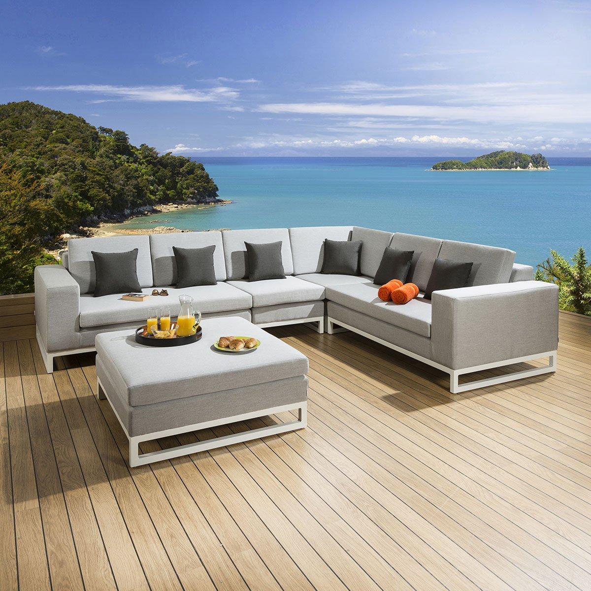 7b205bd5c9b9 #garden #spring #summer #outdoors #sun #sunshine #family #furniture #patio  #decking #bbq #quatropi pic.twitter.com/whQap8tcDT