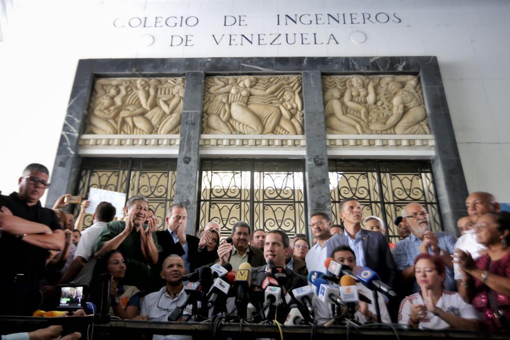 Manual para entender los paros de empleados públicos que Guaidó quiere hacer en Venezuela D06-TevXgAEz2pi