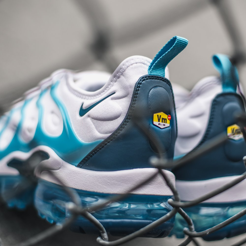 95a93a5219c8d  Blue Force   Nike Vapormax Plus Now Available In Stores and Online  blue   force  vapormax  plus http   ow.ly bIOA30nR1wo pic.twitter.com eCoXYSKUIB