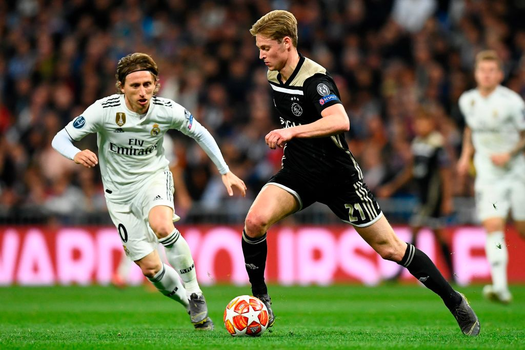 Frenkie de Jong's game by numbers vs. Real Madrid:  100% tackles won 100% aerials won 91% passing accuracy 75 touches 6 ball recoveries 3 clearances 2 take-ons completed 1 interception 1 shot blocked 1 foul won  Already got that winning feeling at the Bernabéu. 😏
